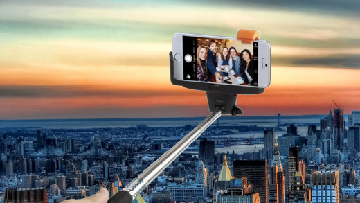 Best iPhone Selfie Sticks - The Crazy Thinkers